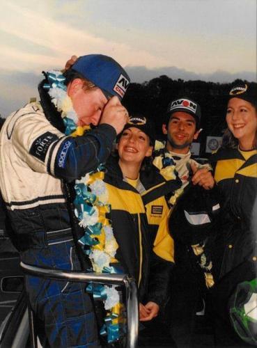 Formula Ford 1800 Zetec Giorgio Vinella Ottobre 1995 Festival Brands Hatch podio con Kevin McGarrity e Mario Haberfeld