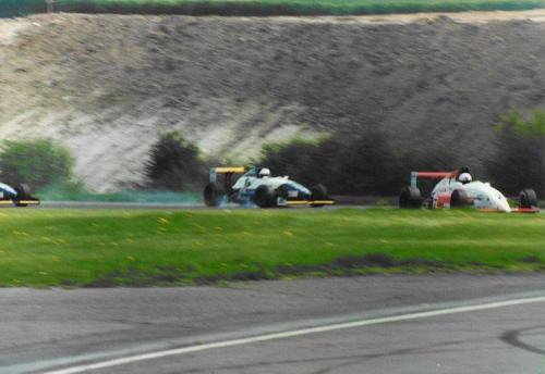 Giorgio Vinella Formula Renault 2000 1996 Thruxton British championship Manor Motorsport Van Diemen breaking point before crash