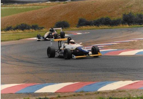 Giorgio Vinella Formula Renault 2000 1996 Thruxton British championship Manor Motorsport Van Diemen chicane 1
