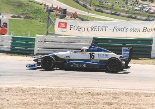 Giorgio Vinella Formula Renault 2000 1996 Brands Hatch British championship Manor Motorsport Van Diemen  Curva Paddock