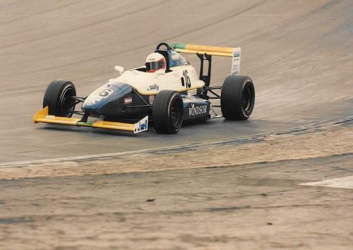 Giorgio Vinella Formula Renault 2000 1996 Brands Hatch British championship Manor Motorsport Van Diemen uscita curva Paddock discesa