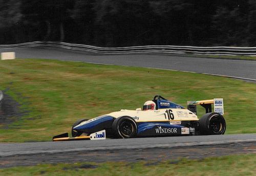 Giorgio Vinella Formula Renault 2000 1996 Oulton Park British championship Manor Motorsport Van Diemen uscita prima curva