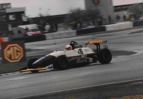 Giorgio Vinella Formula Renault 2000 1996 Silverstone International British championship Manor Motorsport Van Diemen gara bagnata