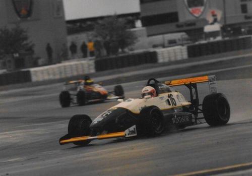 Giorgio Vinella Formula Renault 2000 1996 Silverstone International British championship Manor Motorsport Van Diemen gara bagnata complex