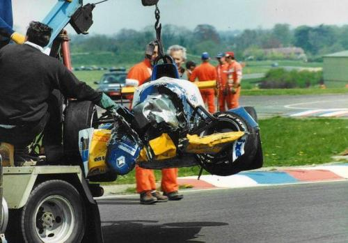 Giorgio Vinella Formula Renault 2000 1996 Thruxton British championship Manor Motorsport Van Diemen auto distrutta
