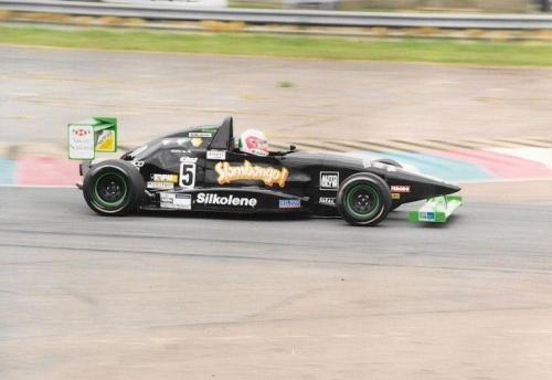 Giorgio Vinella Formula Renault 2000 1997 Thruxton British championship Martello Racing Van Diemen  chicane