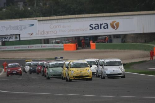 Giorgio Vinella 2008 Fiat 500 Abarth Italian championship Vallelunga win victory Leader race start
