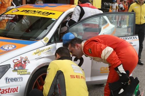 Giorgio Vinella 2014 Seat Motorsport Ibiza Cup 4 hours Mugello Capriati podium driver change pit stop