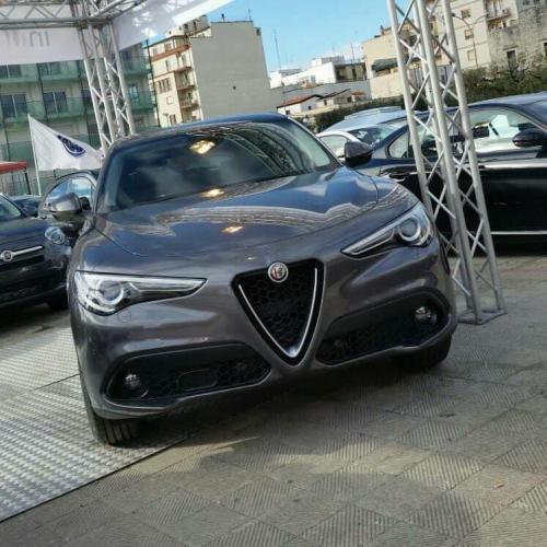 Giorgio Vinella evento Gold Week concessionaria In-Auto Putignano Alfa Stelvio