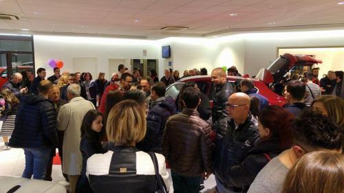 Giorgio Vinella evento Alfa Stelvio concessionaria In-Auto Putignano ospiti vip e clienti