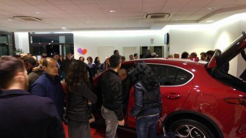 Giorgio Vinella evento Alfa Stelvio concessionaria In-Auto Putignano ospiti vip e clienti auto svelata