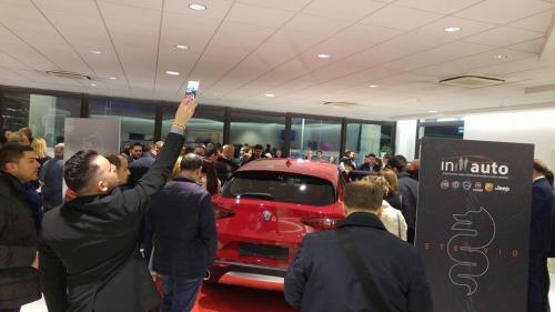 Giorgio Vinella evento Alfa Stelvio concessionaria In-Auto Putignano ospiti vip e clienti giornalisti