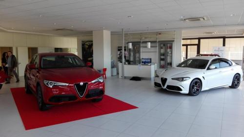 Giorgio Vinella evento Alfa Stelvio concessionaria In-Auto Putignano preparazione salone
