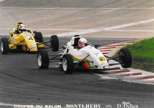Giorgio Vinella Formula Ford 1800 Zetec Campionato Francese 1994 Montlhery testa della corsa davanti ad Ayari chicane